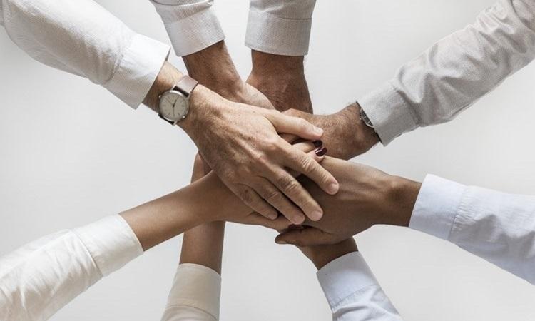 Photo of Você sabe qual a diferença entre liderança e gestão? Descubra agora